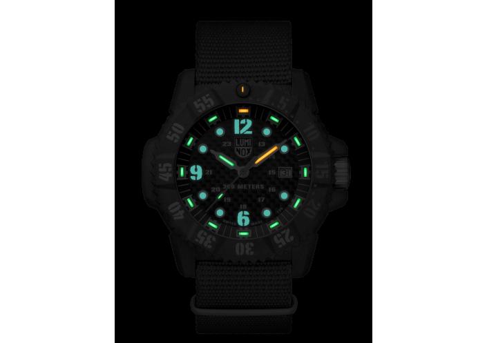 Luminox Luminox Master Carbon Seal 3800 Series Quartz 3803.C - Coutellerie du Jet d'eau