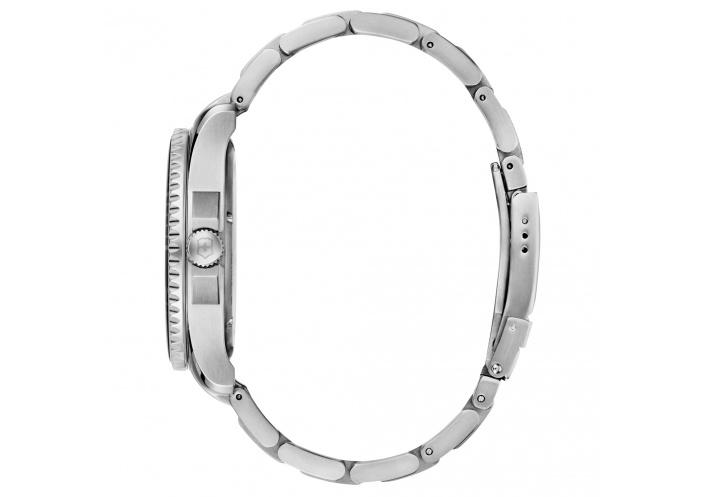 Victorinox Watches Victorinox Maverick Large Cadran noir 241697 - Coutellerie du Jet d'eau