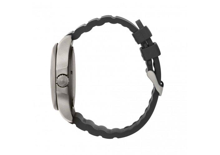 Victorinox Watches Victorinox I.N.O.X. Titanium Cadran noir 241883 - Coutellerie du Jet d'eau